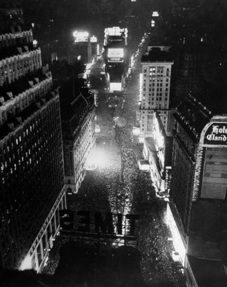 new_year_life_ny_1942